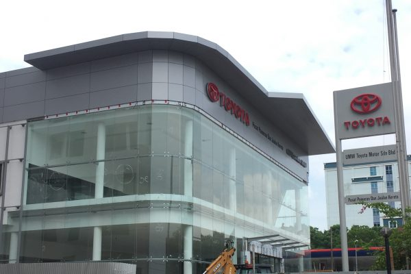 Toyota Showroom, Larkin